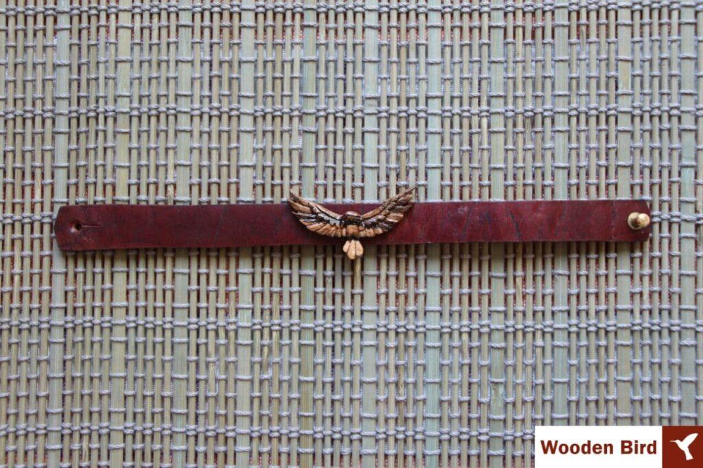 دستنبند طرح عقاب چوبی منبت