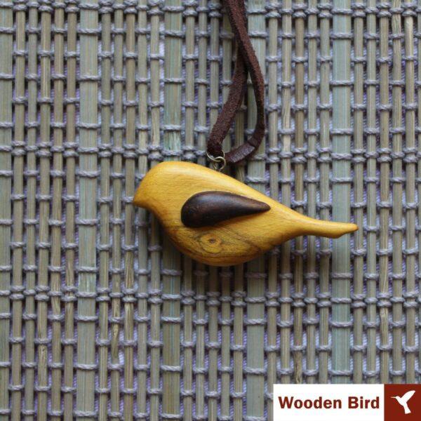 گردنبند پرنده بالدار چوبی