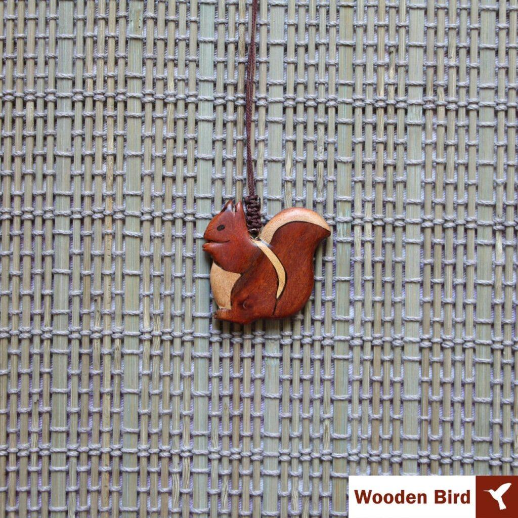 گردنبند سنجاب چوبی معرق