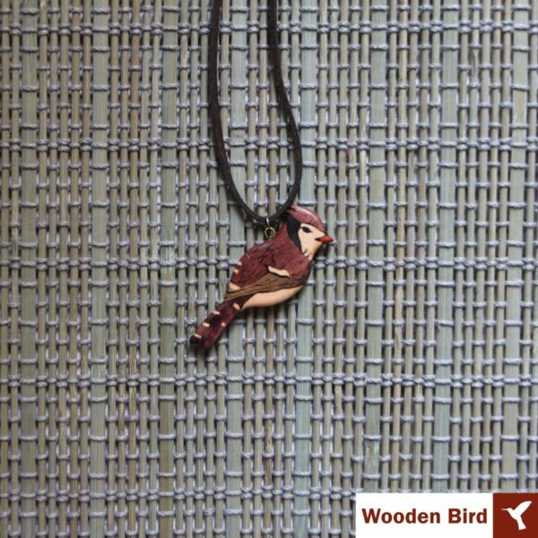 گردنبند پرنده چوبی معرق